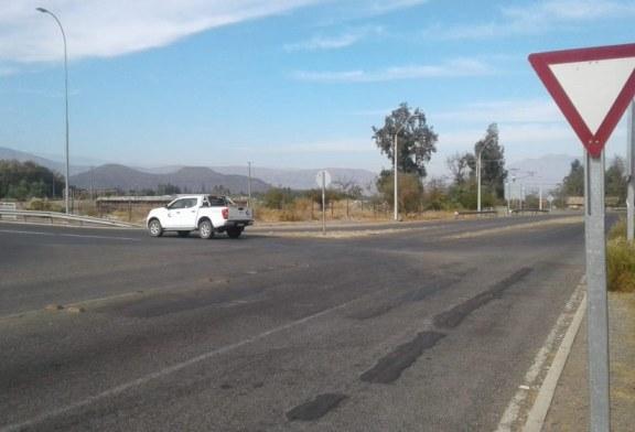Falta de señalética vial en cruce puente Putaendo pone en riesgo a conductores