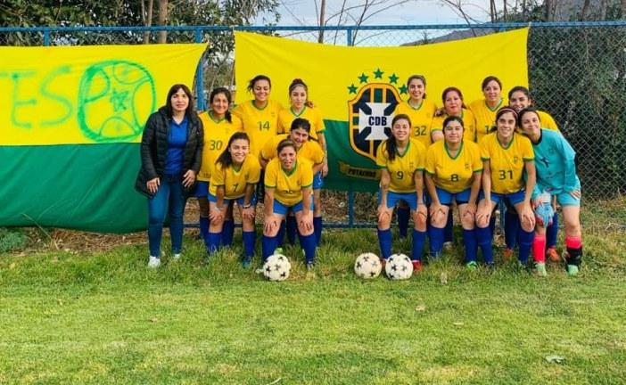 Rama Femenina de Club Brasil asegura que Asociación de fútbol les quitó el Campeonato por secretaria