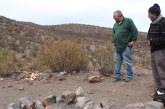 El Huaso Iván y el Loco Mandiola en hermoso gesto llevan agua y alimentos para animales del sector del Orolonco