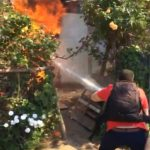 Dos viviendas destruidas y 7 damnificados en voraz incendio en Quebrada de Herrera.